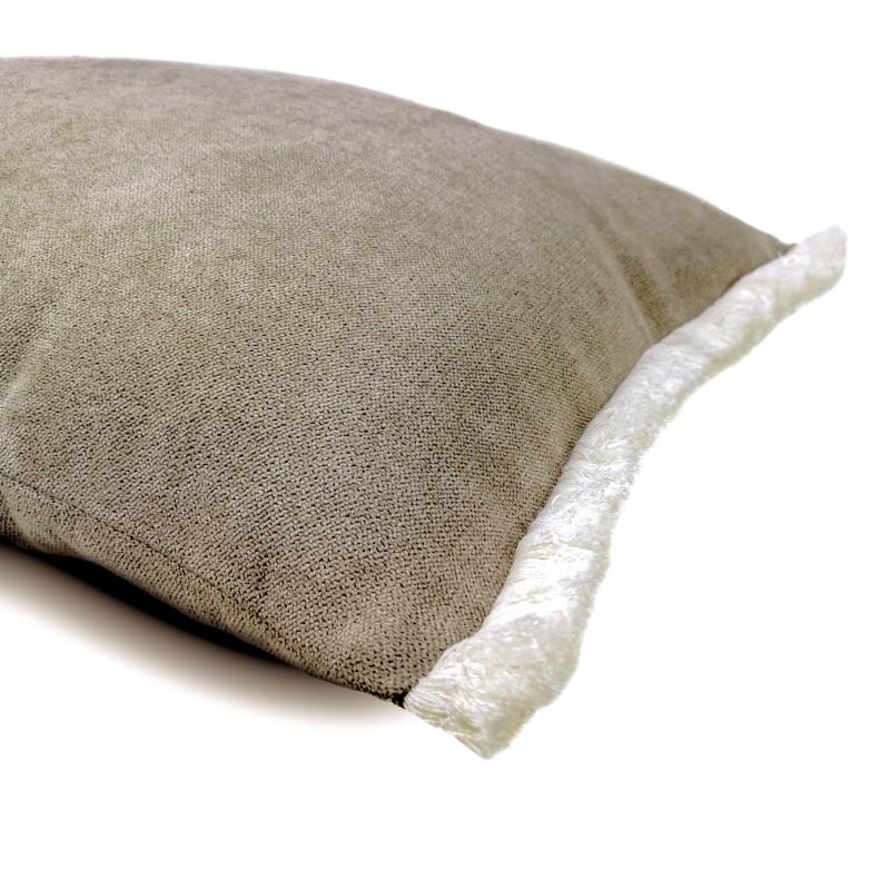 Funda Cojín gris tiopo fleco blanco lateral 60x40. Colección Basic