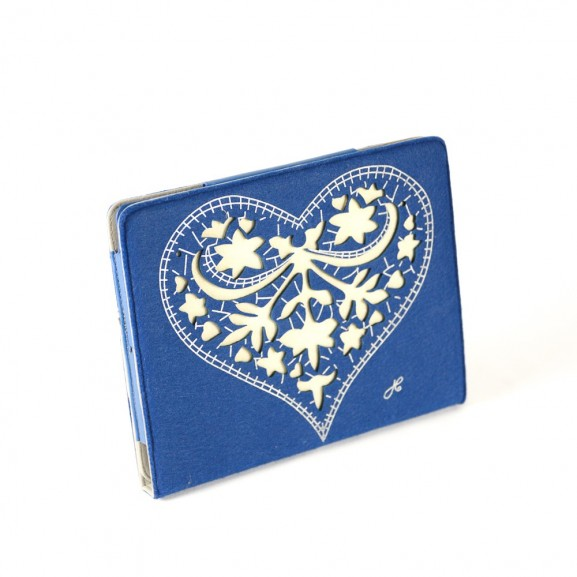 FUNDA IPAD AZUL CORAZON FLORES